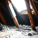 Kamindurchbruch auf dem Dachboden, Westseite