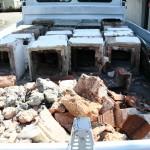 Etwa 10 Meter Kaminsteine auf LKW-Ladefläche