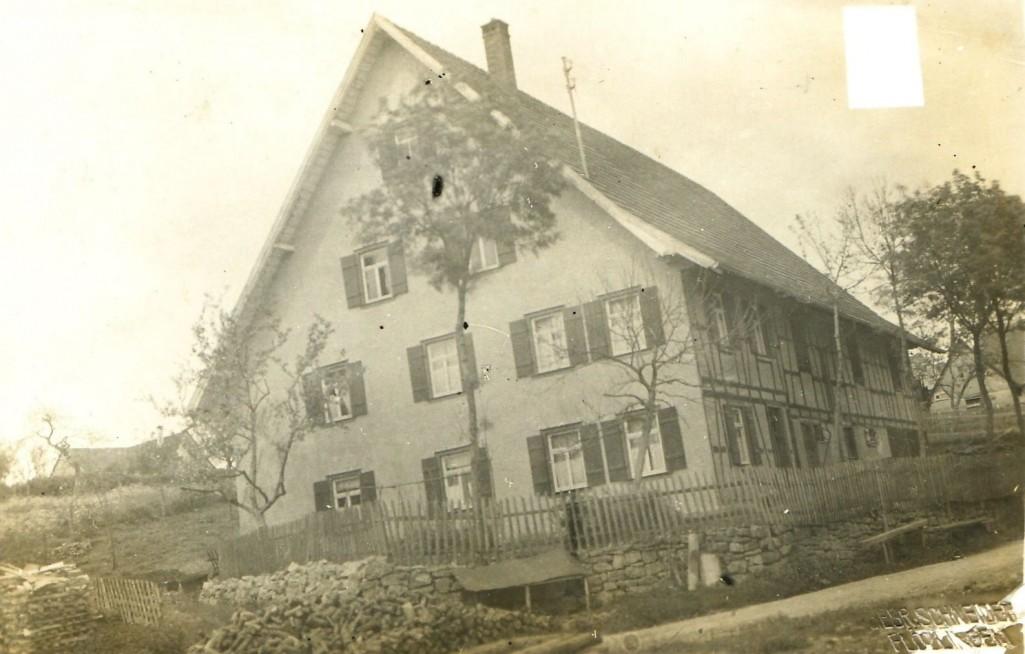 Locherhofer Straße 37, vor 1930; jetzt Eschbronner Straße 36. [Seite 10, unten]