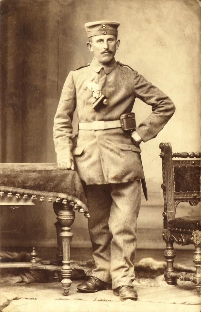 Johannes Flaig (*1889; †1966) im Ersten Weltkrieg; Soldat in Frankreich und Norditalien. [Seite 11]