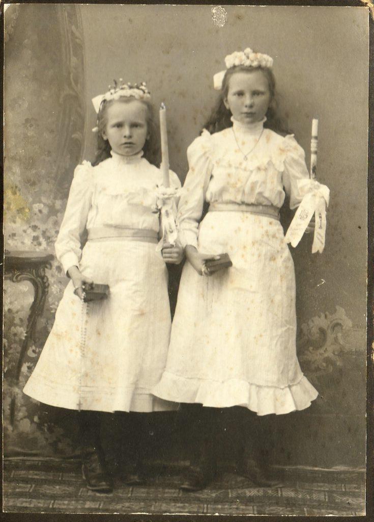 Ida und Hedwig Werner. [Seite 23, links]