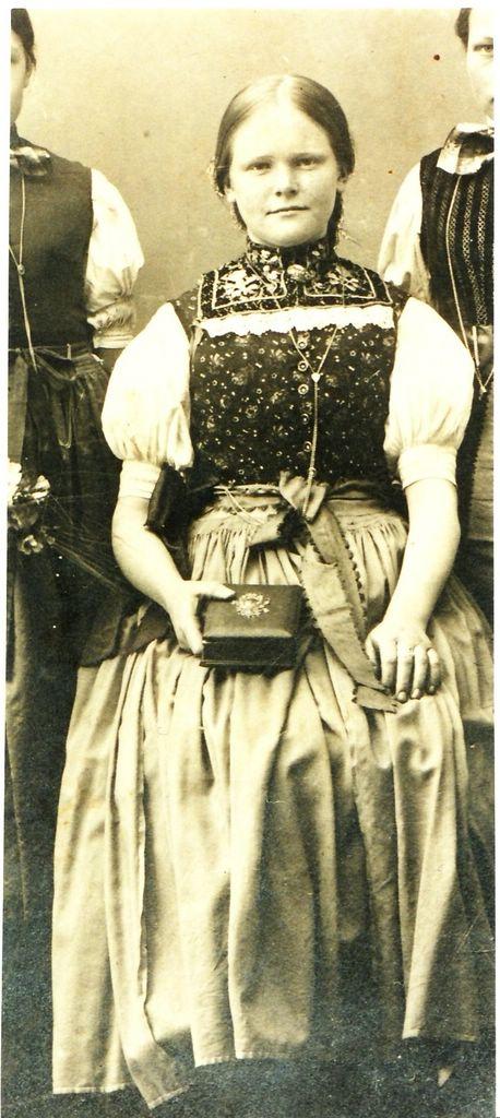 Ida Werner (*1902; †1955). [Seite 23, rechts]