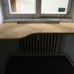 Maßgefertigte Fensterbank aus Hartholz bleibt