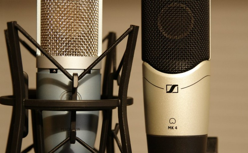 Sennheiser MK 4 vs. AKG Perception 220